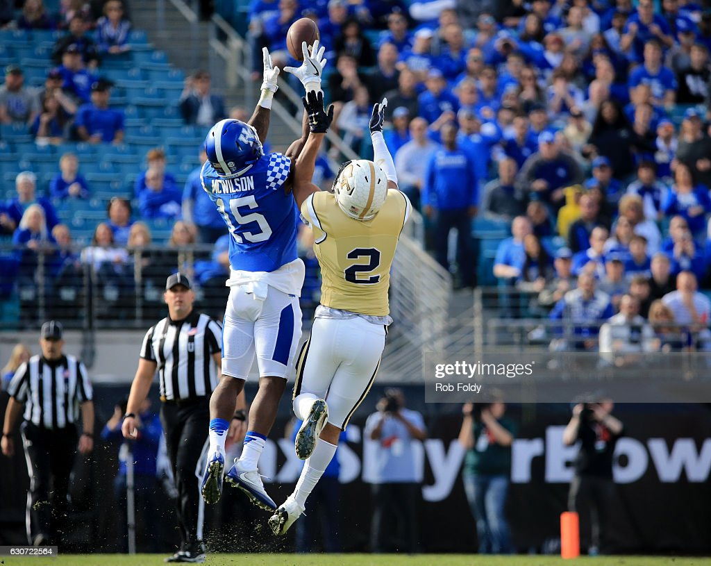 TaxSlayer Bowl - Georgia Tech v Kentucky : News Photo
