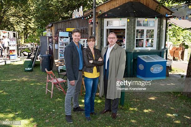 Marcus Mittermeier Bernadette Heerwagen and Alexander Held pose at the on set photocall for the film 'Muenchen Mord Auf der Strasse nachts allein' on...