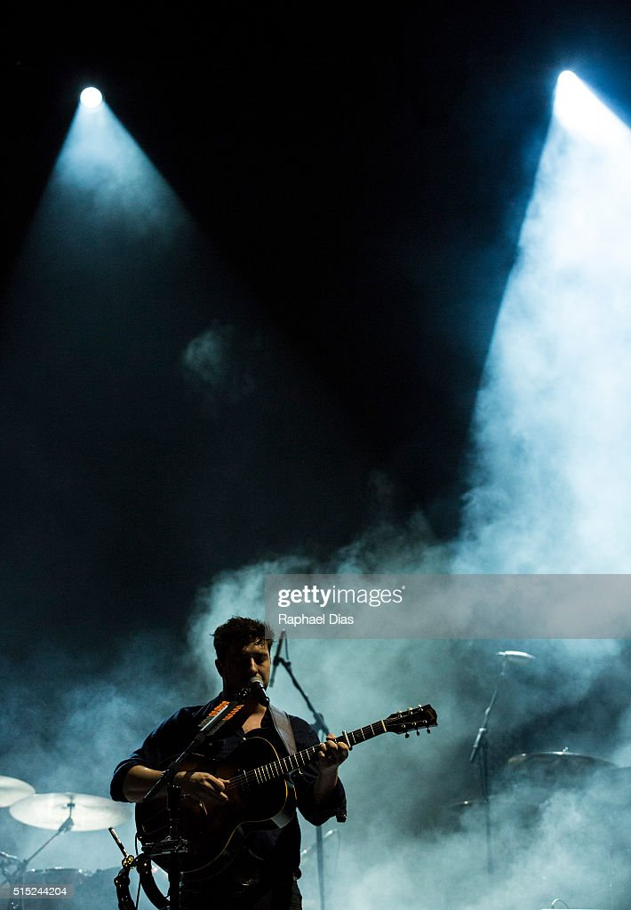Marcus Mumford from Mumford and Sons performs at 2016 Lollapalooza at Autodromo de Interlagos on March 12, 2016 in Sao Paulo, Brazil.
