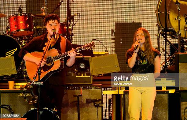 Marcus Mumford of Mumford Sons performs with Maggie Rogers onstage during iHeartRadio ALTer Ego 2018 at The Forum on January 19 2018 in Inglewood...