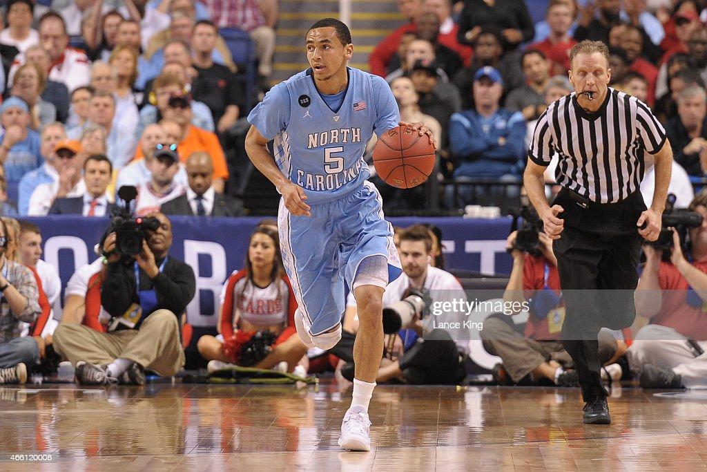 ACC Basketball Tournament - North Carolina v Louisville : News Photo