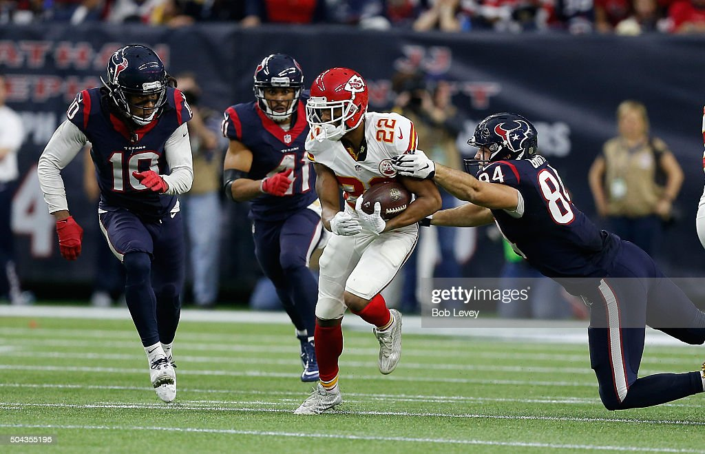 Wild Card Round - Kansas City Chiefs v Houston Texans : News Photo