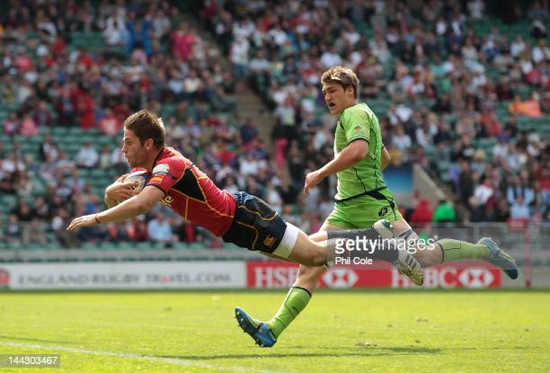 Marcus Poggi of Spain scores a try during the HSBC Sevens World series Plate SemiFinal against Australia at Twickenham Stadium on May 13 2012 in...