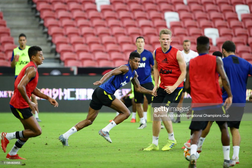 Manchester United Official Training & Press Conference : News Photo