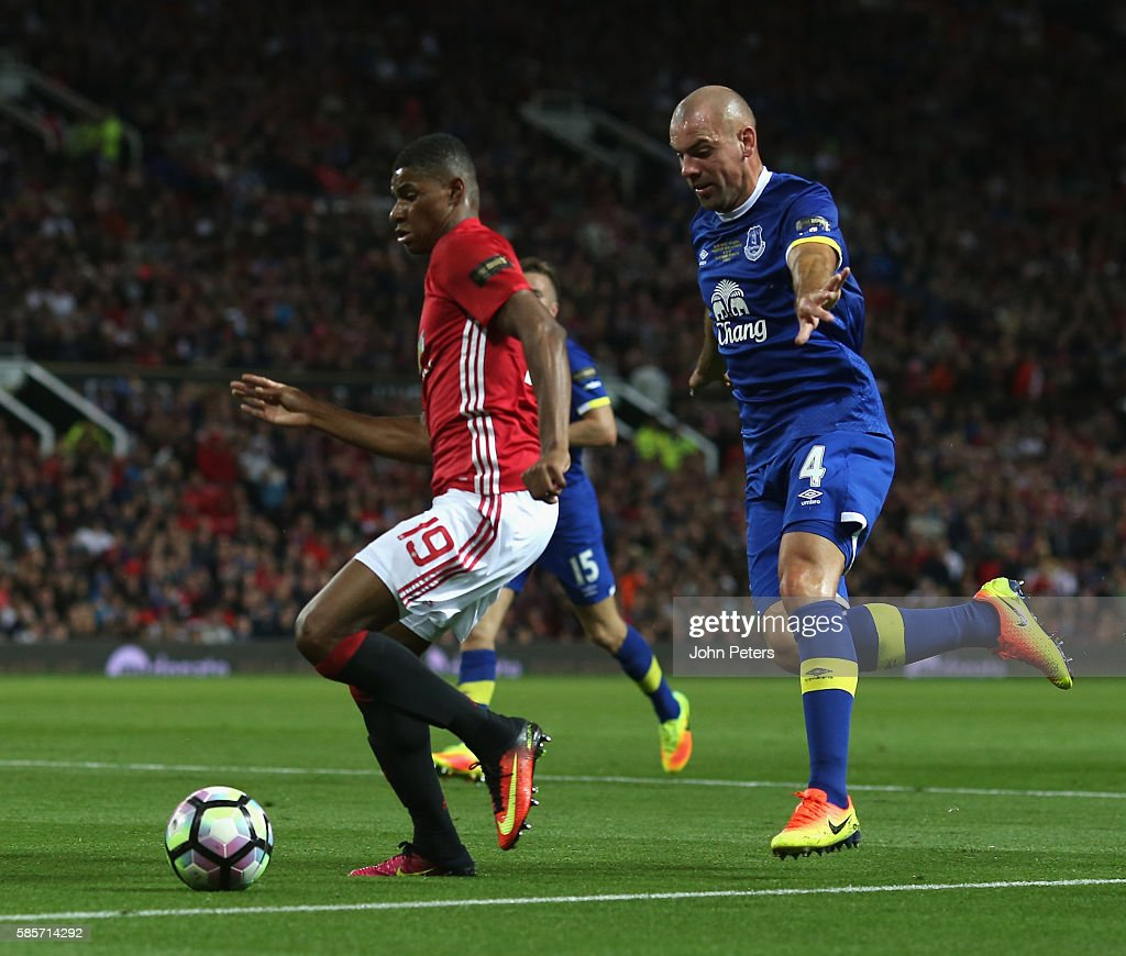 Wayne Rooney Testimonial: Manchester United v Everton : News Photo