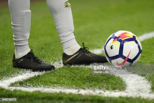 Marcus Rashford of Manchester United prepares to take a corner during the Premier League match between AFC Bournemouth and Manchester United at...