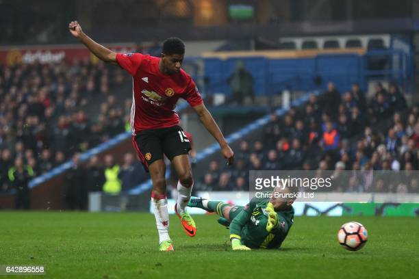 Marcus Rashford of Manchester United scores the equaliser during the Emirates FA Cup Fifth Round match between Blackburn Rovers and Manchester United...