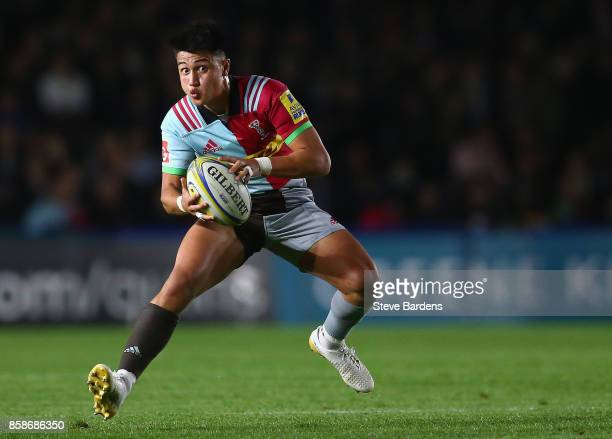 Marcus Smith of Harlequins in action during the Aviva Premiership match between Harlequins and Sale Sharks at Twickenham Stoop on October 6 2017 in...