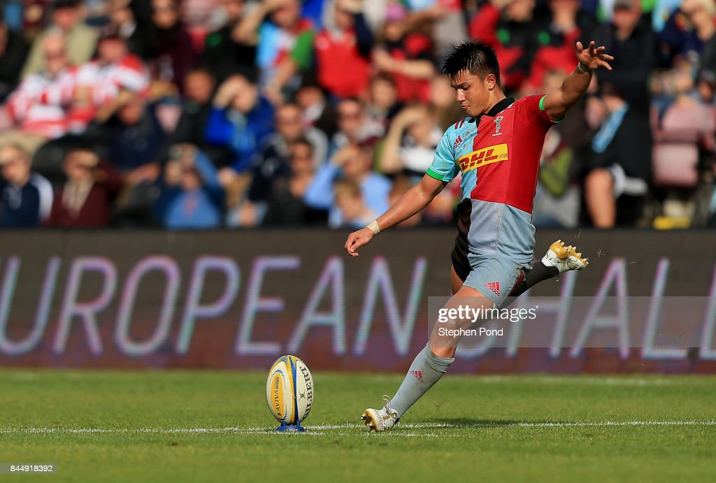 Marcus Smith of Harlequins kicks during the Aviva Premiership match between Harlequins and Gloucester Rugby at Twickenham Stoop on September 9, 2017 in London, England.