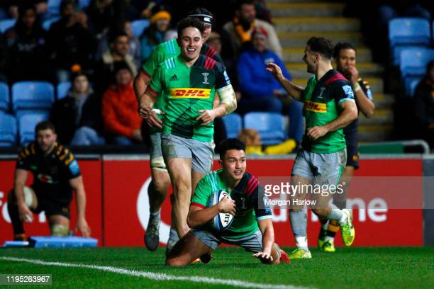 Marcus Smith of Harlequins scores a try during the Gallagher Premiership Rugby match between Wasps and Harlequins at on December 21, 2019 in...