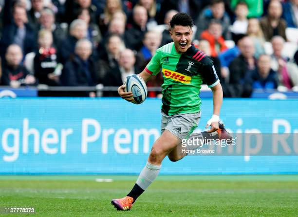 Marcus Smith of Harlequins scores his sides first try during the Gallagher Premiership Rugby match between Saracens and Harlequins at London Stadium...