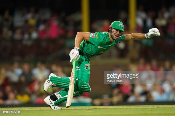 Marcus Stoinis of the Stars bats during the Big Bash League match between the Sydney Sixers and the Melbourne Stars at Sydney Cricket Ground on...