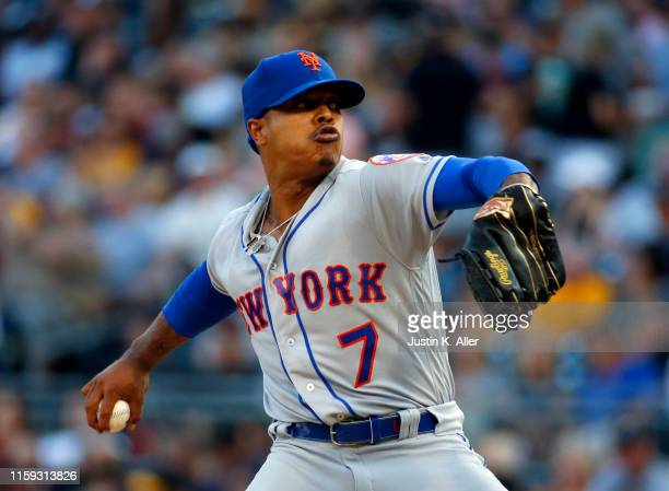 Marcus Stroman of the New York Mets pitches in the first inning against the Pittsburgh Pirates at PNC Park on August 3, 2019 in Pittsburgh,...