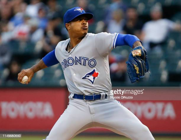 Marcus Stroman of the Toronto Blue Jays pitches in the first inning during the game against the Chicago White Sox at Guaranteed Rate Field on May 16...