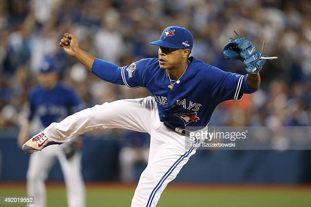 Marcus Stroman of the Toronto Blue Jays pitches in the seventh inning against the Texas Rangers during game two of the American League Division...