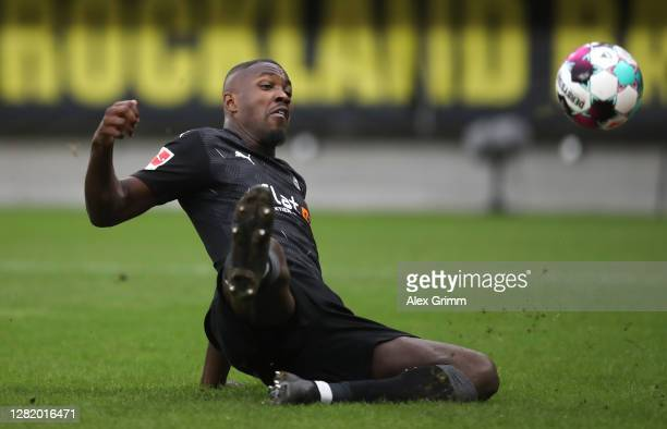 Marcus Thuram of Moenchengladbach controls the ball during the Bundesliga match between 1 FSV Mainz 05 and Borussia Moenchengladbach at Opel Arena on...