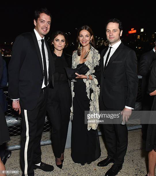 Marcus Wainwright Keri Russell Glenna Neece and Matthew Rhys attend the Brooklyn Bridge Park Conservancy hosts the Brooklyn Black Tie Ball at Pier 2...