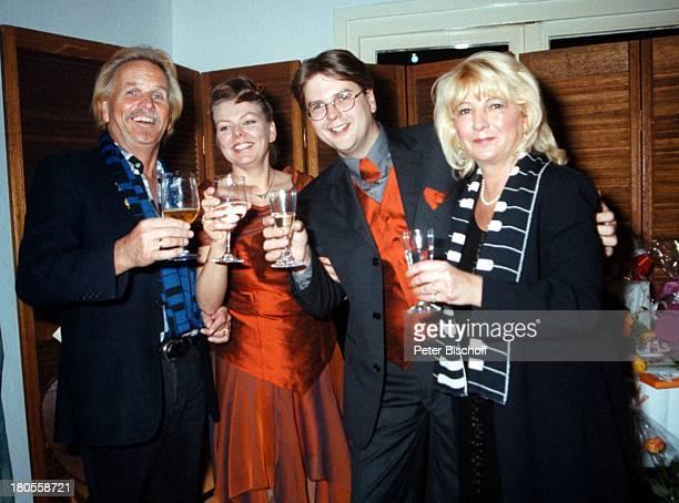 Marcus Zander Ehefrau ElginAngela Frank Zander Ehefrau Evelyn HochzeitsfeierBerlin Deutschland Europa Restaurant Insel LindwerderFamilie Sekt...