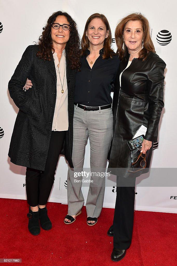 "Tribeca Tune In: ""Grace And Frankie"" - 2016 Tribeca Film Festival : News Photo"