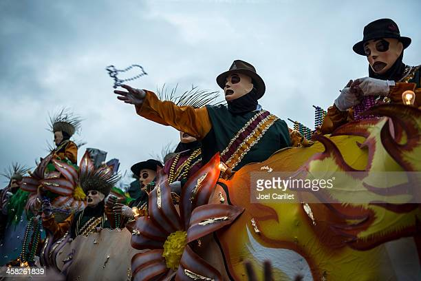 mardi gras parade in new orleans - mardi gras parade stock photos and pictures
