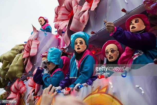 mardi gras parade - mardi gras float stock pictures, royalty-free photos & images