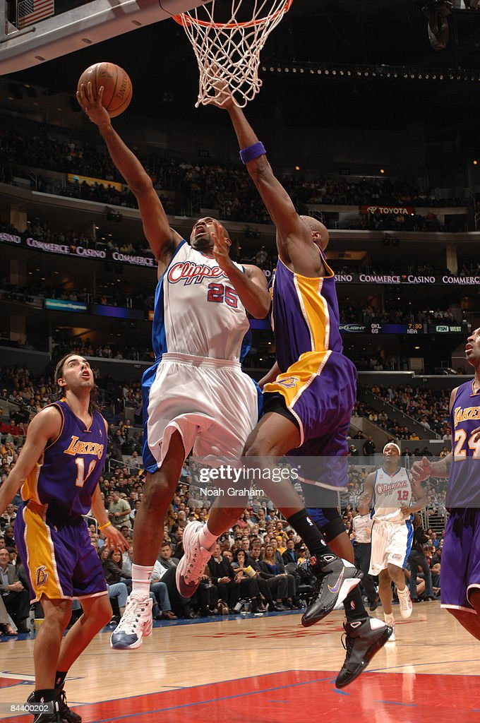 Mardy Collins #25 of the Los Angeles Clippers goes up for a shot against Lamar Odom #7 of the Los Angeles Lakers at Staples Center on January 21, 2009 in Los Angeles, California.