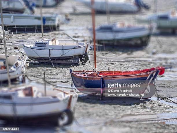 marée basse à binic - marée stock pictures, royalty-free photos & images