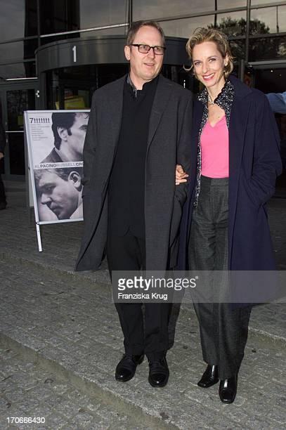 Mareike Carriere Ihr Ehemann Gerd Klement Sind Bei Der Filmpremiere Von Insider In Hamburg Am 250400