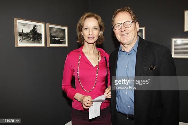 Mareike Carriere Und Ehemann Gerd Klement Bei Der Vernissage Der Montblanc Kulturstiftung In Der Hamburger Kunsthalle In Hamburg