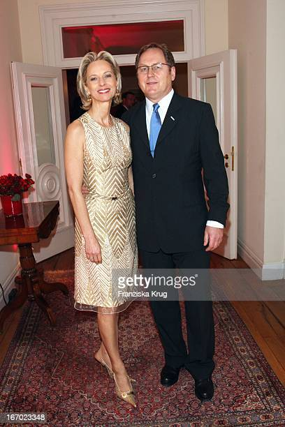 "Mareike Carriere Und J. Gerd Klement Bei Der Verleihung Des Preises ""Couple Of The Year"" Im Hotel Louis C Jacob In Hamburg Am 210108 ."