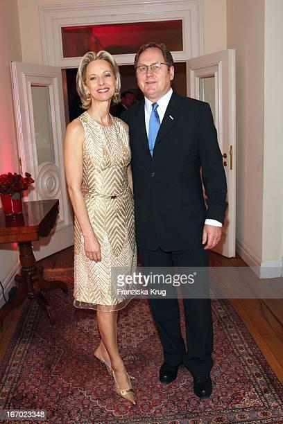 Mareike Carriere Und J Gerd Klement Bei Der Verleihung Des Preises Couple Of The Year Im Hotel Louis C Jacob In Hamburg Am 210108