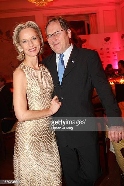 "Mareike Carriere Und J.Gerd Klement Bei Der Verleihung Des Preises ""Couple Of The Year"" Im Hotel Louis C Jacob In Hamburg Am 210108 ."