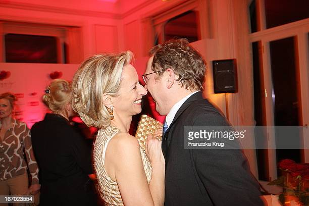"""Mareike Carriere Und J.Gerd Klement Bei Der Verleihung Des Preises """"Couple Of The Year"""" Im Hotel Louis C Jacob In Hamburg Am 210108 ."""