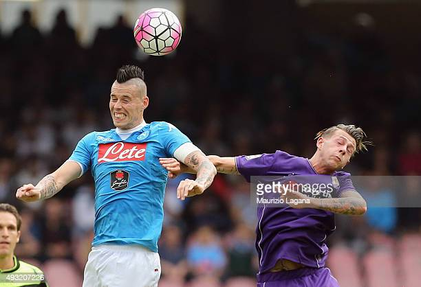 Marek Hamsik of Napoli competes for the ball in air with Federico Bernardeschi of Fiorentina during the Serie A match between SSC Napoli and ACF...