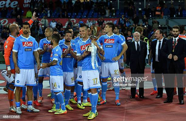 Marek Hamsik of Napoli poses with the Tim Cup next to his teammates before the Serie A match between SSC Napoli and Cagliari Calcio at Stadio San...