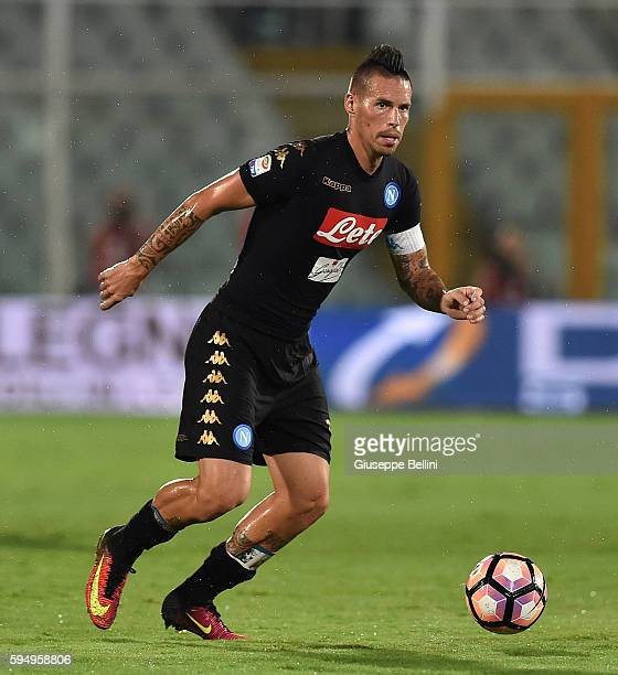 Marek Hamsik of SSC Napoli in action during the Serie A match between Pescara Calcio and SSC Napoli at Adriatico Stadium on August 21 2016 in Pescara...