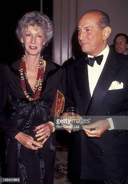 Marella Agnelli and Oscar de la Renta attend Top Dog Benefit Gala for Animal Medical Center on November 13 1991 at the Pierre Hotel in New York City