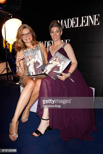 Maren Gilzer and Cheryl Shepard attend the Goldene Henne on October 28 2016 in Leipzig Germany