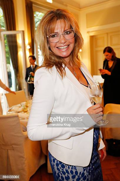 Maren Gilzer attends the Society Relations Ladies Lunch in favor of the Stiftung Deutsche SchlaganfallHilfe on August 23 2016 in Hamburg Germany
