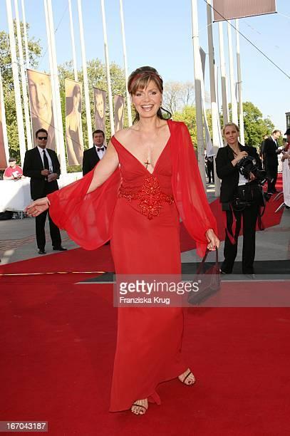 """Maren Gilzer In Ella Singh Bei Der Ankunft Zum Deutschen Filmpreis 2007 """"Lola"""" In Berlin ."""
