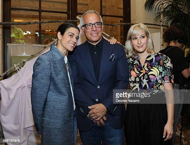 Margaret Anne Williams Chef Geoffrey Zakarian and designer Rachel Antonoff attend Rachel Antonoff Presentation Spring 2016 New York Fashion Week at...