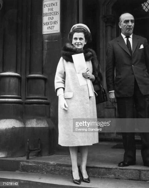 Margaret Campbell Duchess of Argyll October 1962 The sign behind her reads 'Entrance for Barristers and Solicitors only'