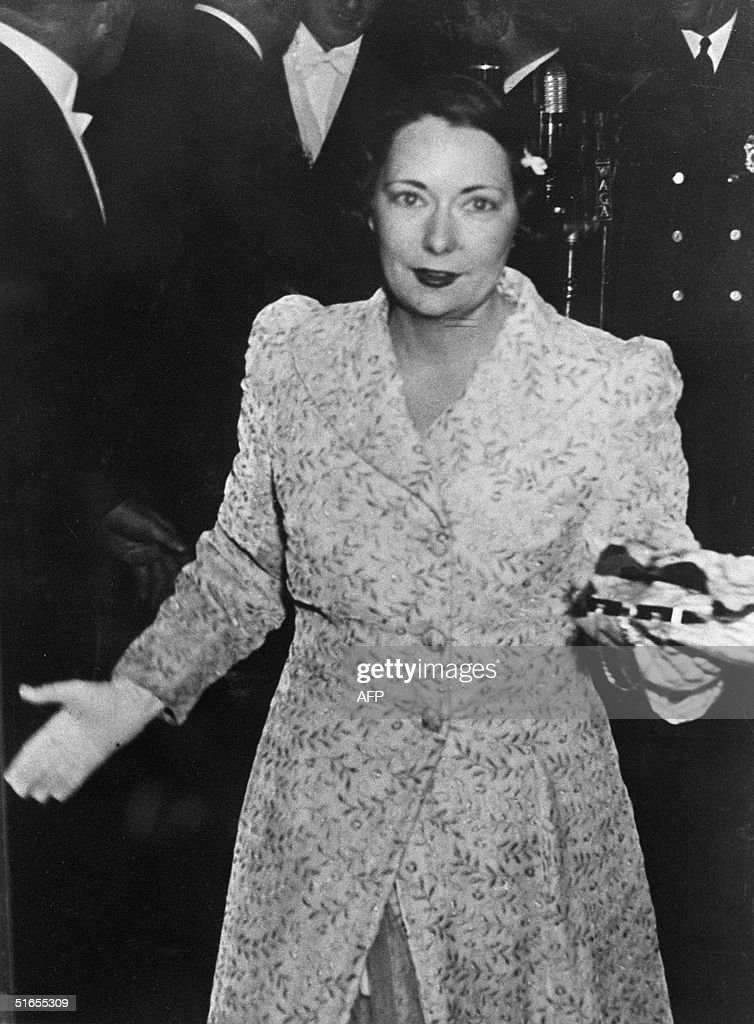Margaret Mitchell (1900-49), US author of the successful novel 'Gone With The Wind', arrives at the world film premiere of the film of the same name in Atlanta 16 December 1939. 'Gone with the Wind' was Mitchell's only novel and sold over 25 million copies, and was translated into 30 languages.