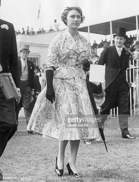 Margaret Rose Princess GB*Countess of SnowdonSister of Queen Elizabeth IIvisits a horse race 1955