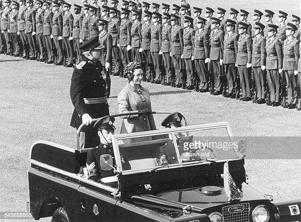 Margaret Rose Princess GB*Countess of SnowdonSister of Queen Elizabeth IIvisits british troops in Berlin
