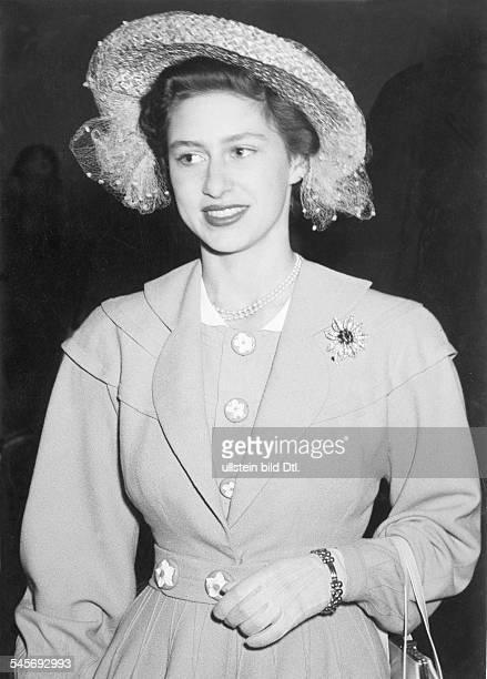 Margaret Rose Princess GB*Countess of SnowdonSister of Queen Elizabeth IIPortrait 1951Photo Schirnerpublished by `Blatt der Hausfrau`...