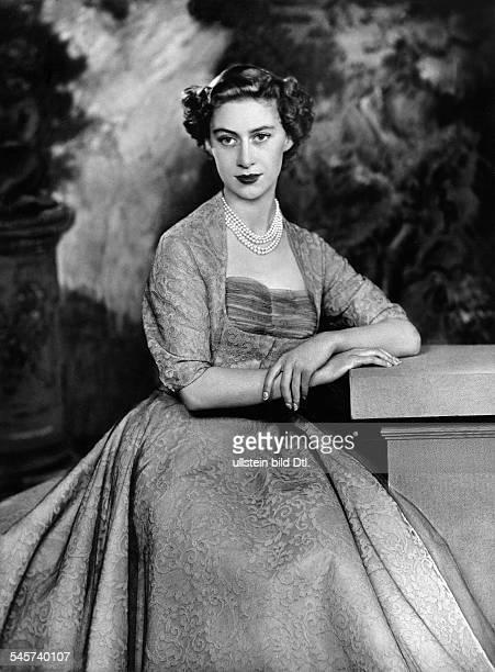Margaret Rose Prinzessin *Graefin von Snowdon GBSchwester von Queen Elizabeth II Portrait 1953