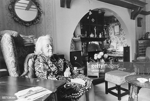 Margaret Rutherford actress UK 1971