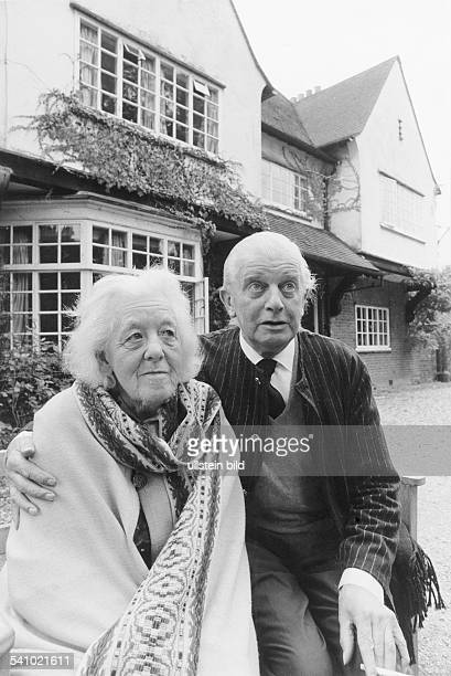 Margaret Rutherford actress UK with her husband Stringer Davis 1971