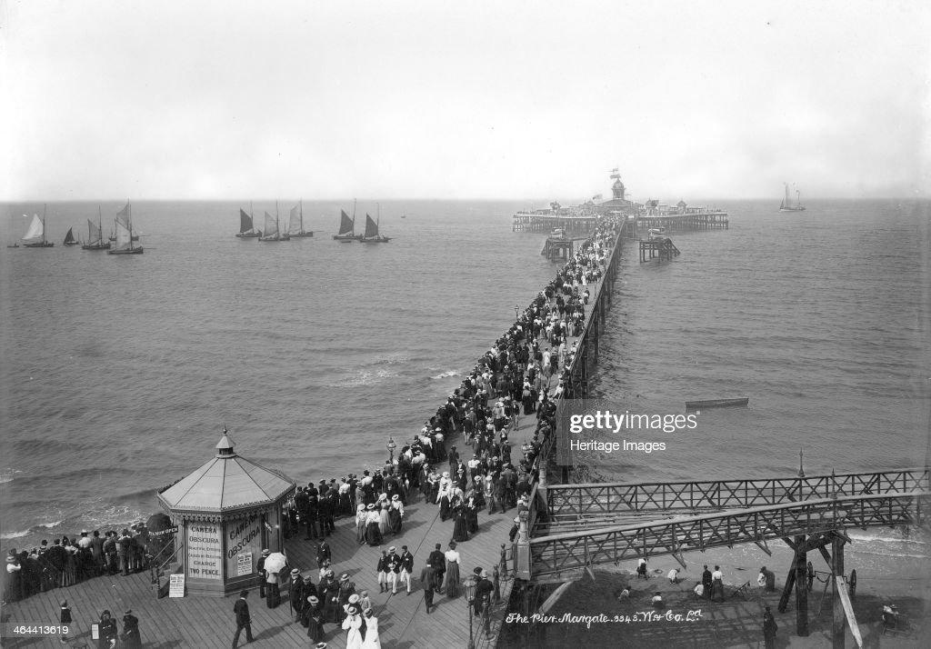 Margate Pier, Margate, Kent, 1890-1910. : News Photo